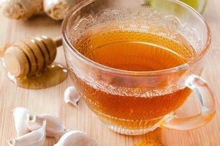 O chá de cúrcuma tem antioxidantes que diminuem o colesterol