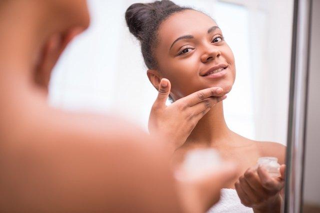 10 principais causas de espinhas e como tratar