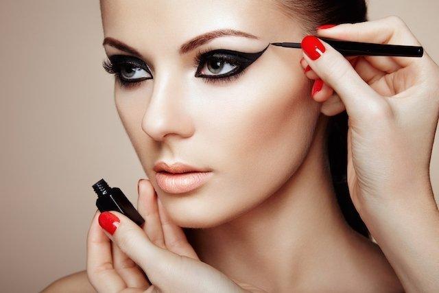 Dicas de maquiagem: saiba como fazer o passo a passo