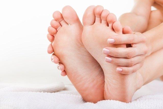 Curam dos solas doloridas pés