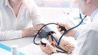 9 síntomas de presión alta y qué hacer