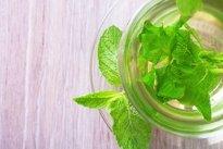 7 Chás para melhorar a digestão e diminuir a formação de gases intestinais