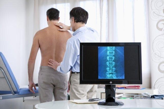 Hérnia de disco lombar: o que é, sintomas, causas, tratamento