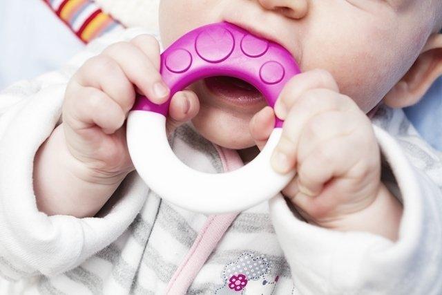 como aliviar el dolor de dientes bebes