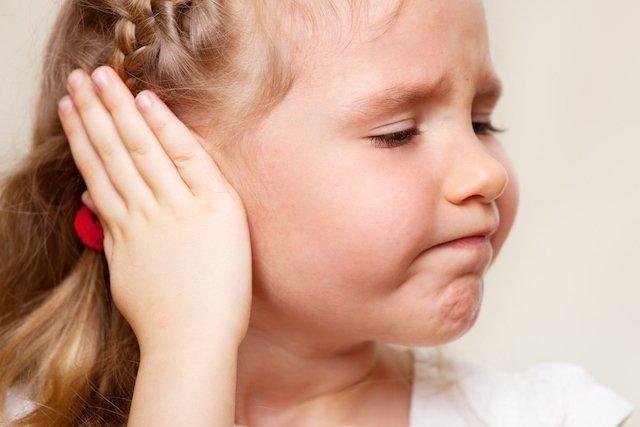 Mastoidite: o que é, sintomas e tratamento
