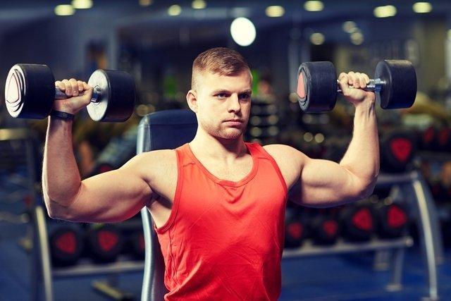 Exercícios para bíceps, tríceps, antebraços e ombros