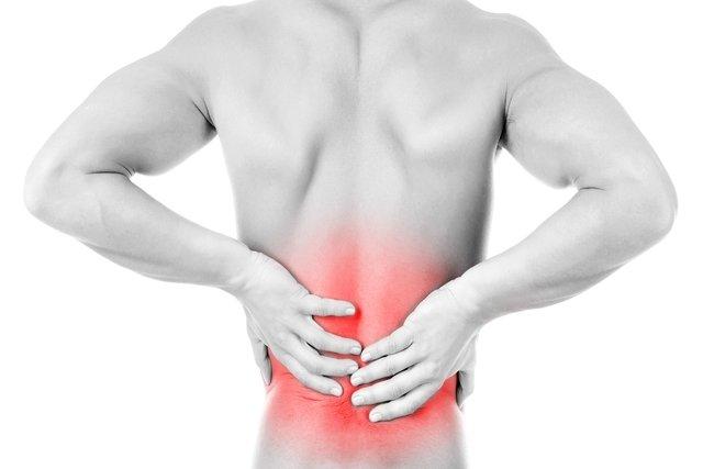 Principais causas da dor no final da coluna e o que fazer
