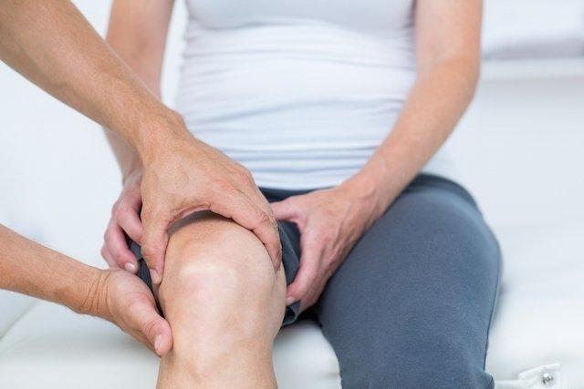 O que é torção no joelho e como tratar