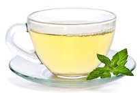 Beber chá de hortelã
