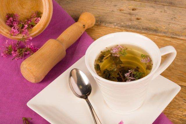 7 melhores chás para dor de cabeça
