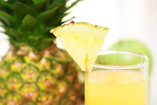 Suco de abacaxi para dores nas articulações
