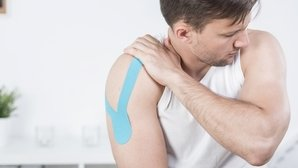 Right Arm Pain: 5 Common Causes & What To Do
