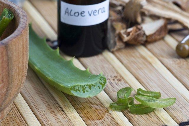 8 maravilhas que o suco de babosa pode fazer pela sua saúde