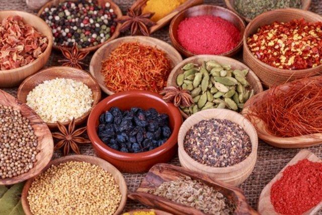 Sustituir la sal por hierbas aromáticas