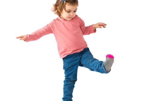 Artrite infantil: causas, sintomas e tratamento