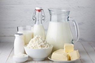Não tomar leite e derivados com caseína