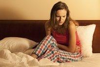 Por qué duele el vientre o la parte baja del abdomen (y qué hacer)