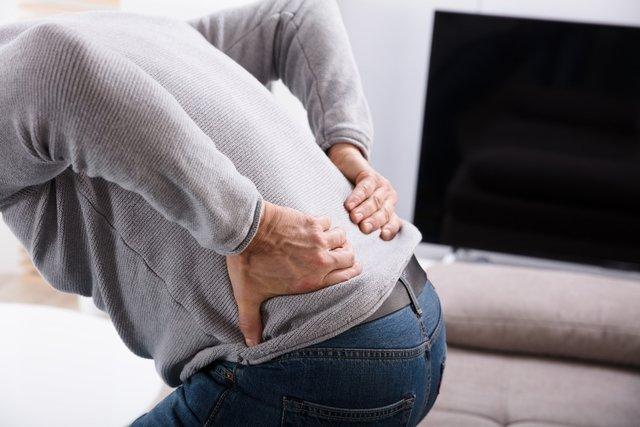 O que fazer para aliviar a dor na coluna