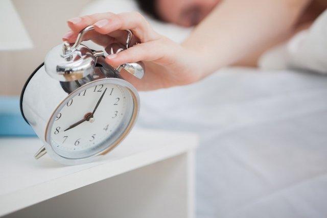 Como acordar cedo e com mais disposição