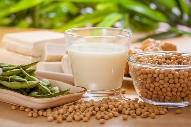 Genisteína da soja previne câncer e alivia menopausa
