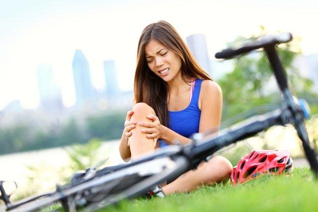 Pernas Inchadas: 9 causas e o que fazer para tratar