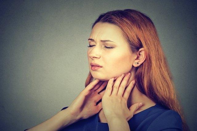 O que pode ser bolhas na garganta e como tratar