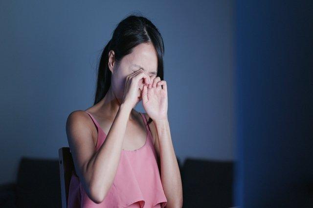 O que é a Herpes nos Olhos, Como se pega e Como tratar
