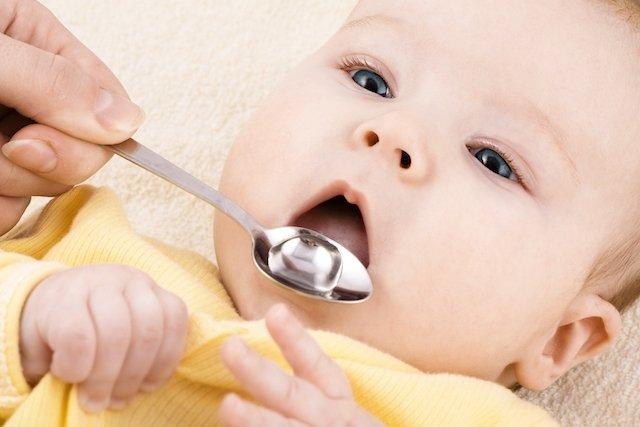 O que precisa saber antes de dar remédio para o seu filho