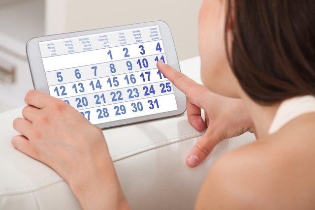Tomar dos pastillas anticonceptivas para cortar la menstruacion