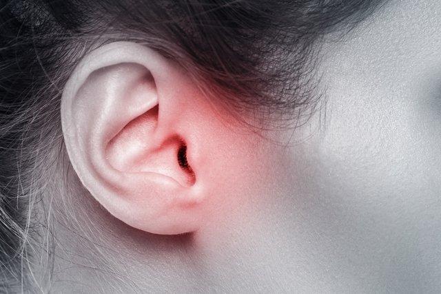 O que pode ser o ouvido inflamado e o que fazer