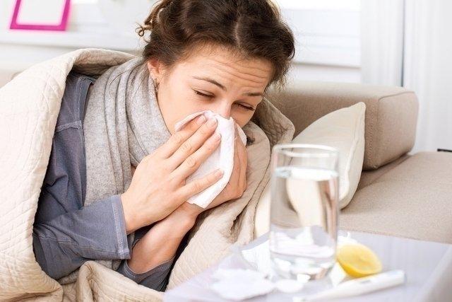 La secreción nasal y el dolor de garganta no desaparecerán