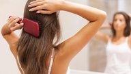 Saiba o que pode causar queda de cabelo