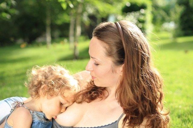 É possível engravidar amamentando? (e outras dúvidas comuns)