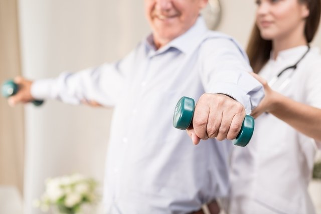 Fisioterapia com pesos leves