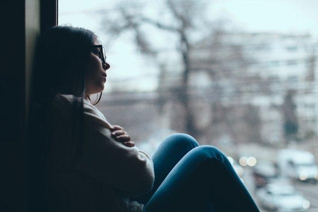 Depressão sazonal: o que é, sintomas, causas e tratamento