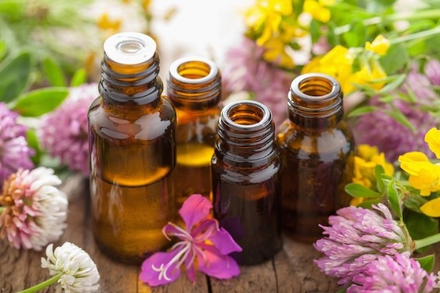 5 óleos essenciais para combater a ansiedade