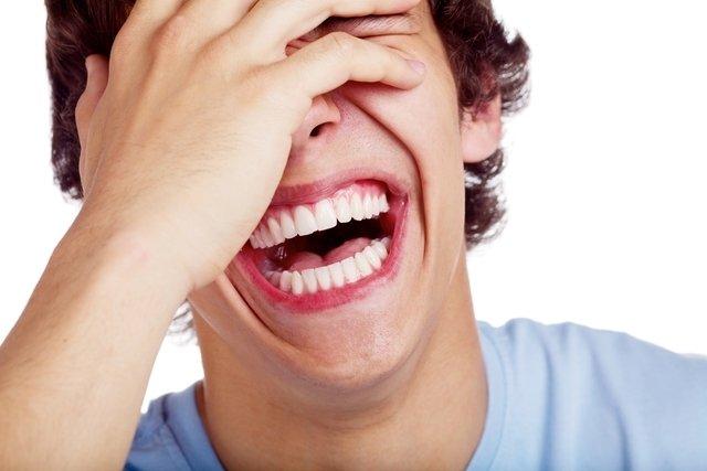Terapia do riso: o que é e benefícios