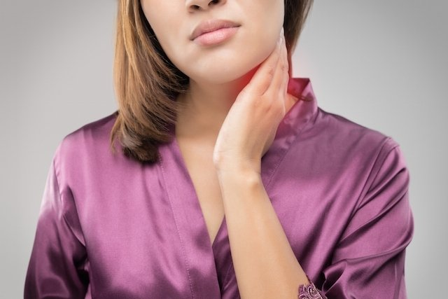 Íngua no pescoço: 6 principais causas e o que fazer