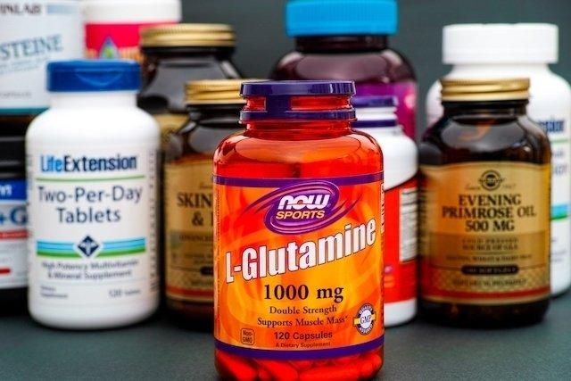 Glutamina: Para que serve e como tomar