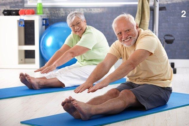 Exercícios de alongamento para idosos fazerem em casa