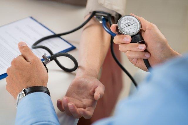 7 dicas para diminuir o risco de infarto e AVC