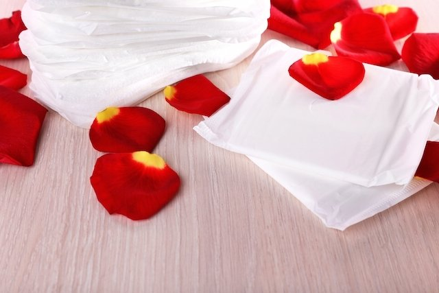 Cómo parar la hemorragia menstrual: medicamentos, cirugía y alimentación