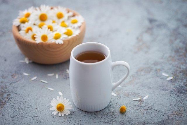 Té de manzanilla: para qué sirve, propiedades y cómo prepararlo