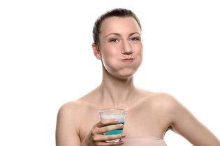 Usar antisseptico bucal