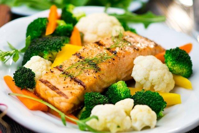 O que é a dieta paleo, o que comer e como funciona