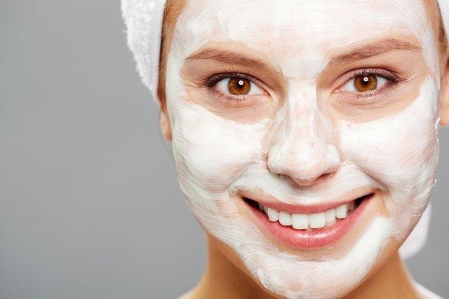 Como tratar a pele seca e com acne