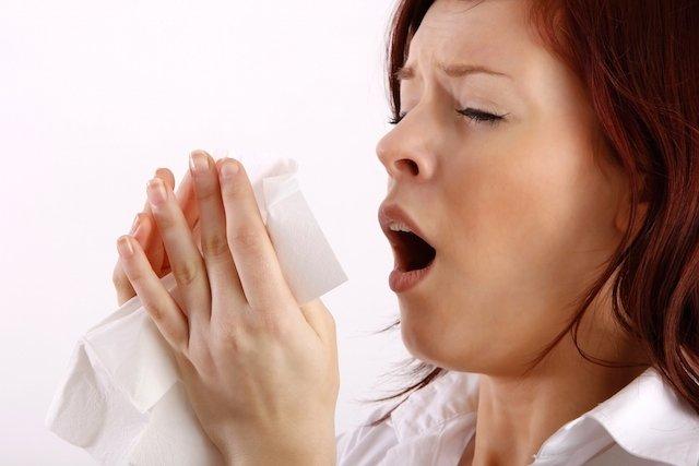 7 formas de parar de espirrar rapidamente