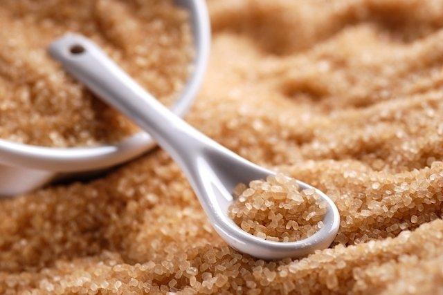Açúcar demerara é melhor, mas não ajuda a emagrecer - Tua Saúde