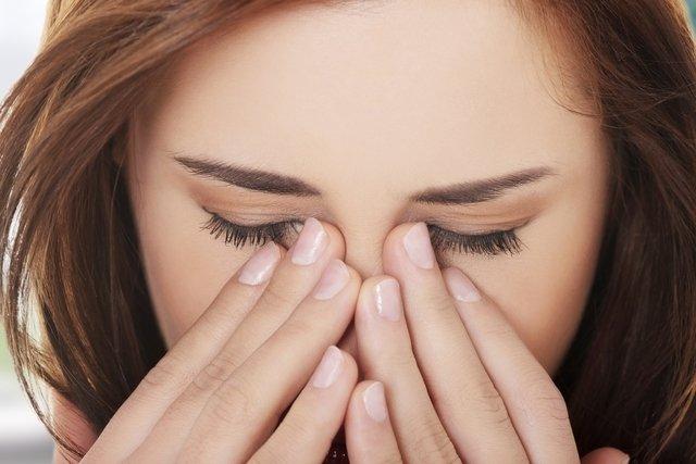 8 causas de Sangramento nasal e Como tratar