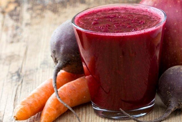 Suco de cenoura e beterraba para fortalecer o sistema imunológico